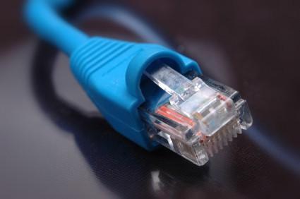 Digitaal basispakket moet in 2013 minimaal 30 zenders bevatten