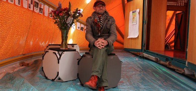 Hans Kalliwoda's World in a Shell is een heel handig kunstwerk