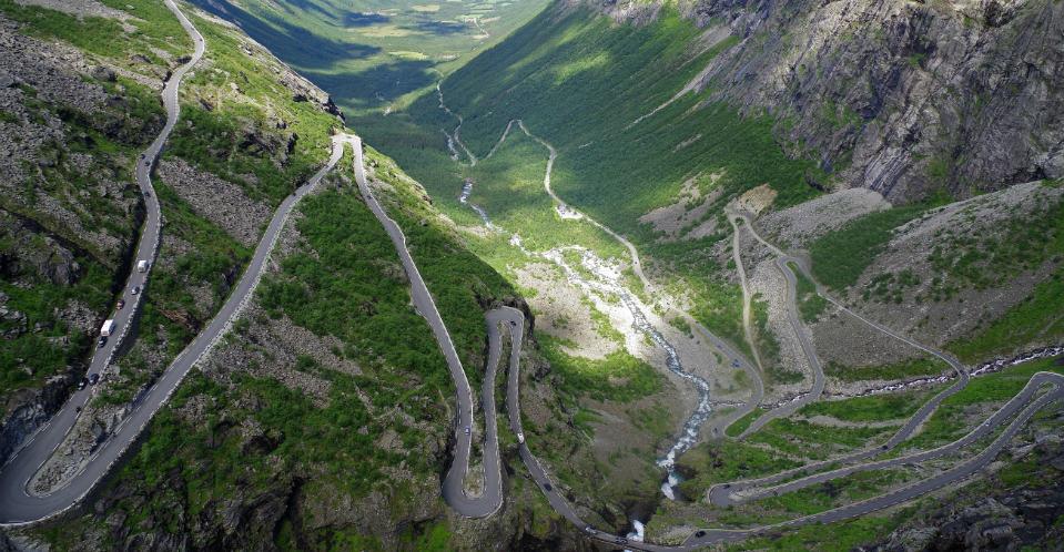 autovakantie-rijden-in-bergen