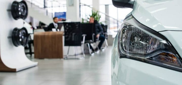 Autoverzekering via merkdealer een stuk duurder