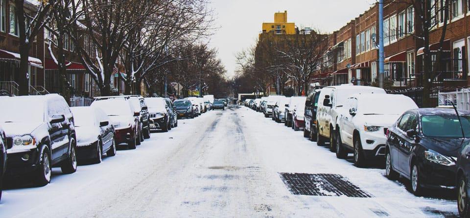 Rijden met gladheid: 15 tips om veilig thuis te komen